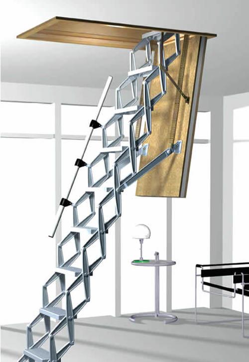Чердачная лестница в раскладном исполнении