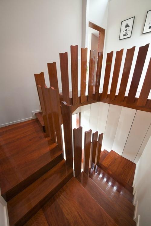 Необычная лестница, собранная по чертежам