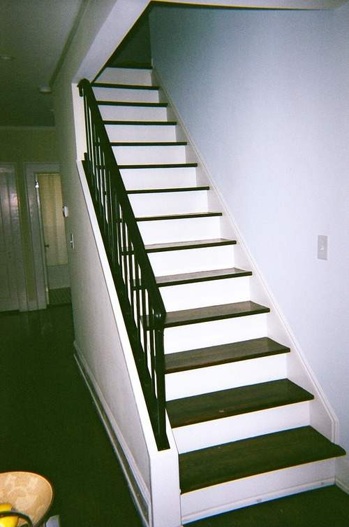 Традиционная маршевая лестница на мансарду