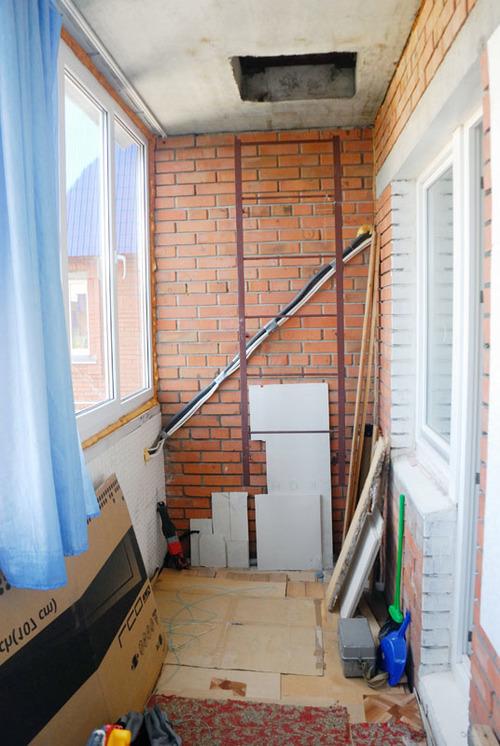 Можно ли убирать лестницу на балконе.