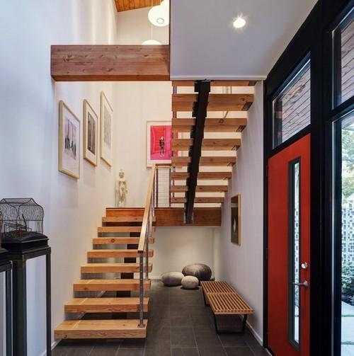 Комбинированная лестница с площадкой и поворотом