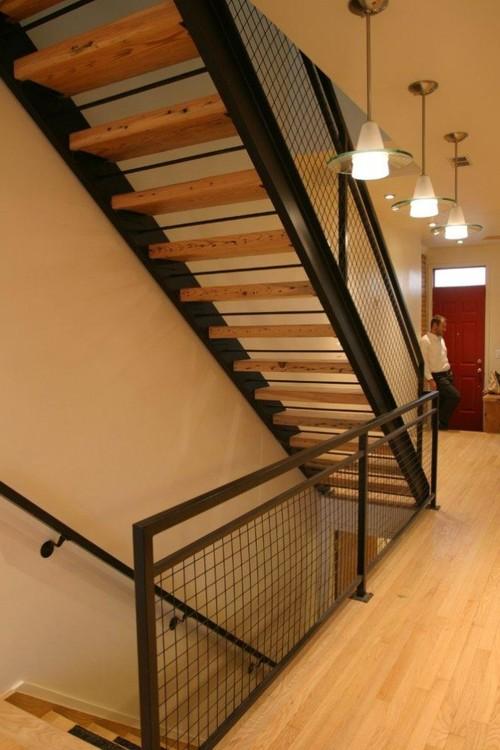 Комбинированная металлическая лестница