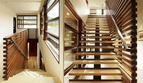 Лестница с необычным дизайном
