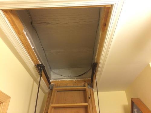 Люк выдвижной лестницы